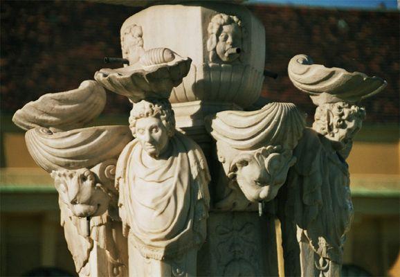 Brunnen vor der Orangerie in Schönbrunn