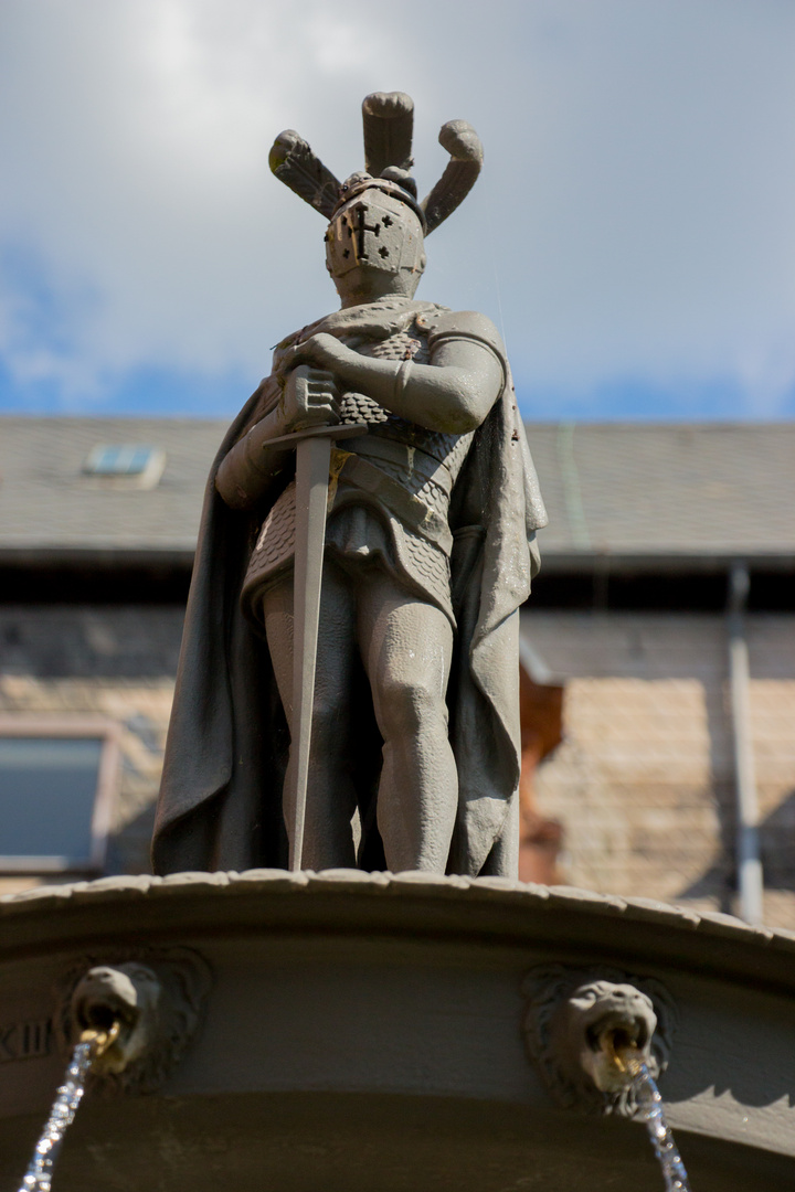 Brunnenfigur von Villeroy&Boch im Park, Alte Abtei