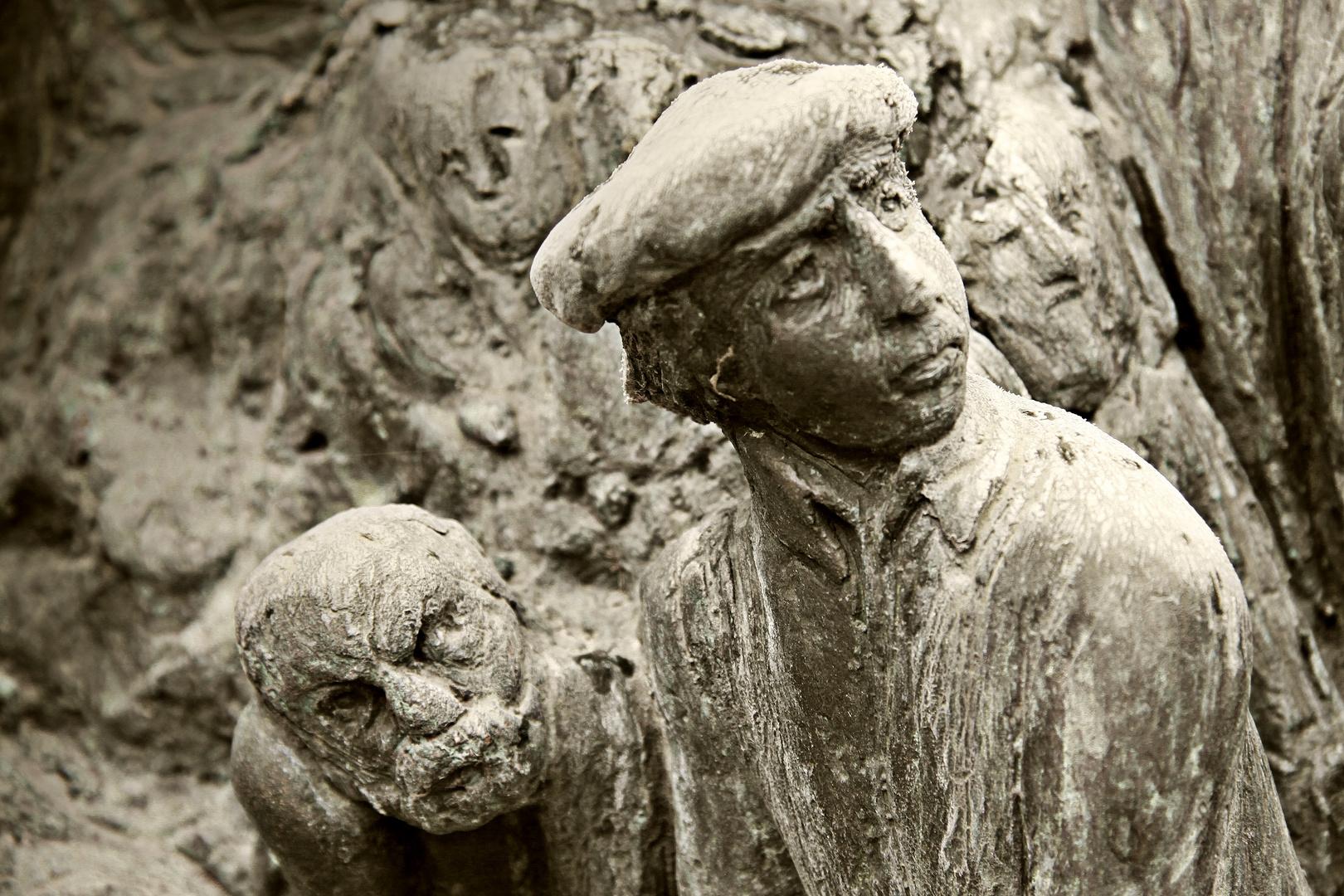 Brunnenfiguren aus Stein