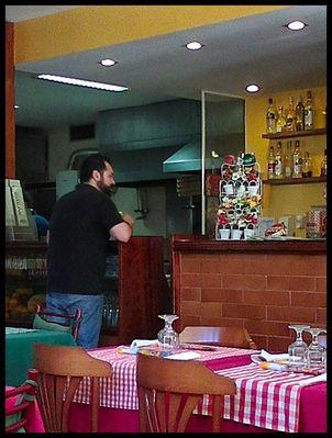Bruno, il mio impiegato  preferito al ristorante italiano.