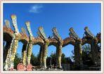Bruno Webers Skulpturen: sein begehbarer Lindwurm