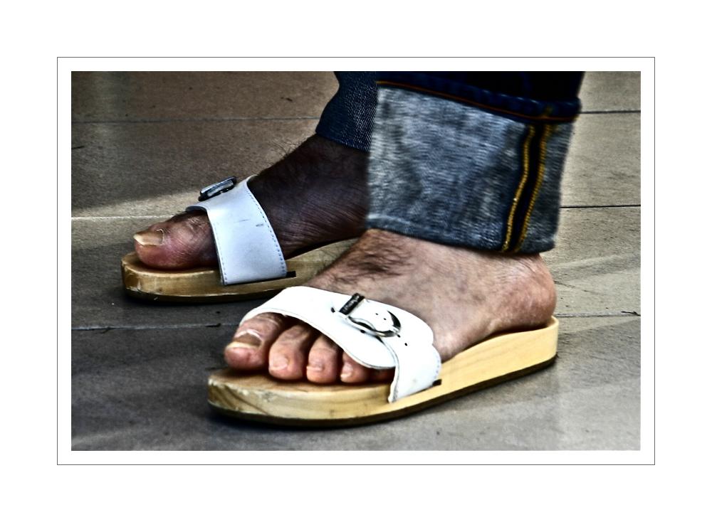 ( ° ° ° ° °B's Feet° ° ° ° °)
