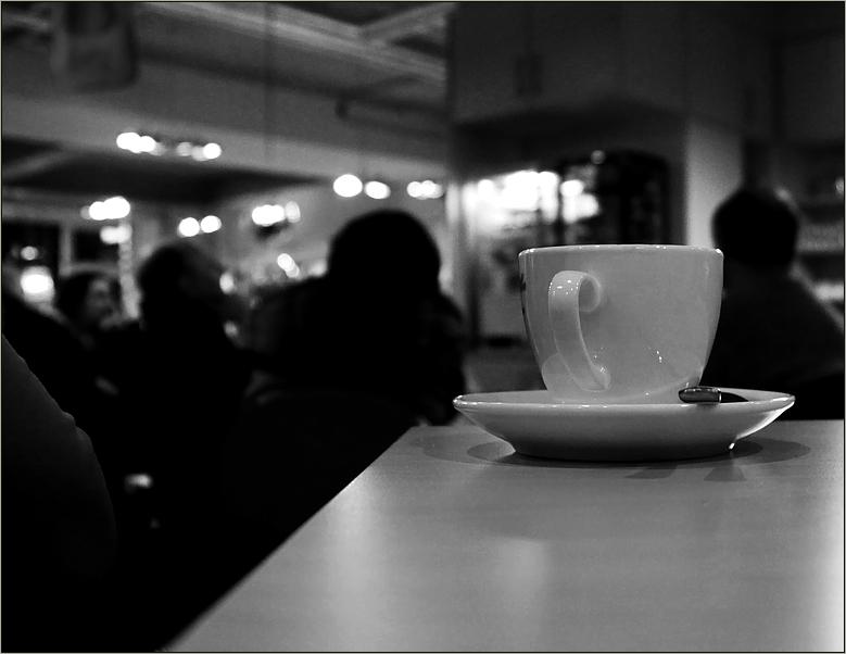 Buchlesung mit Wein/Kaffee ohne Gesaang