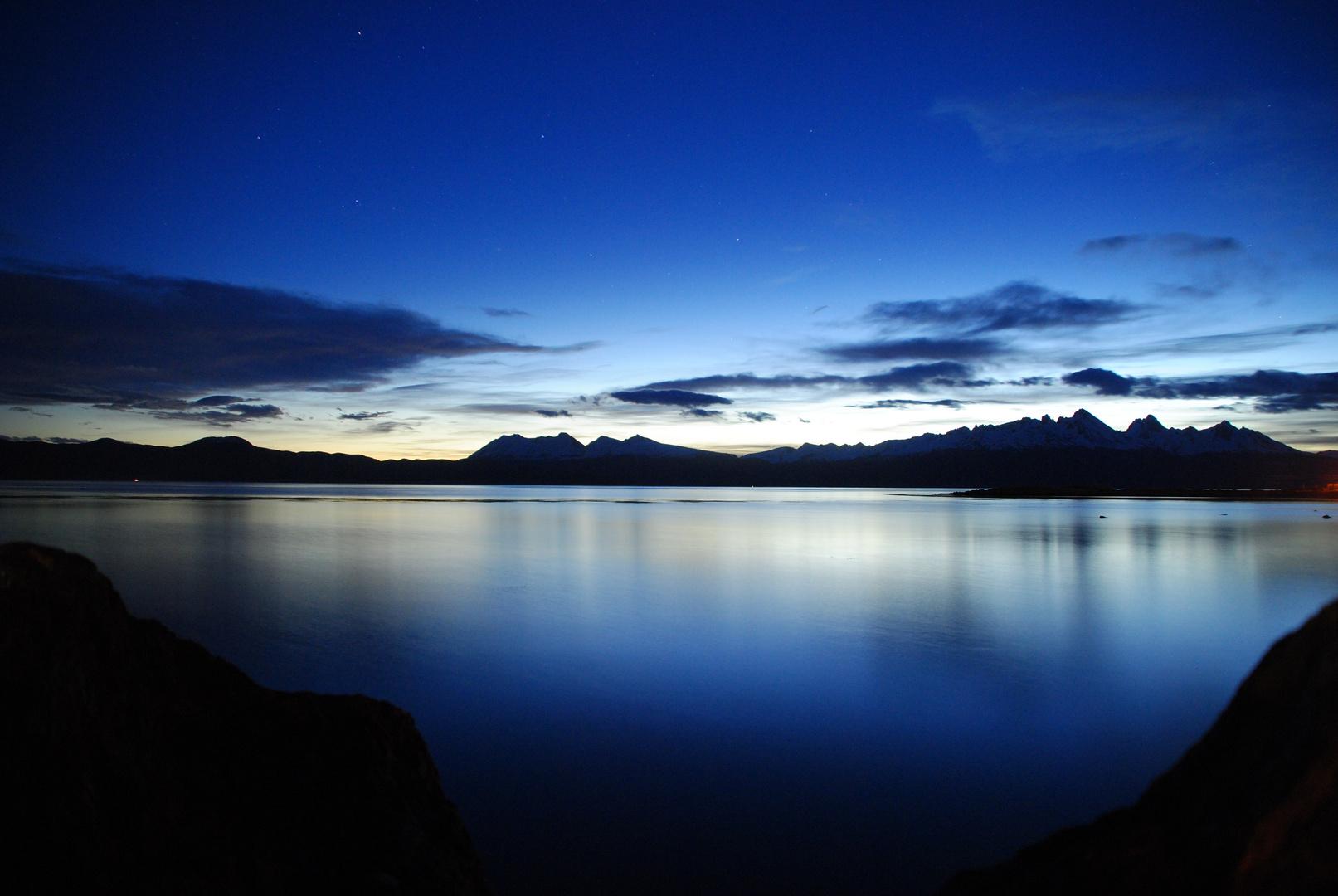 Bucht von Ushuaia bei Nacht