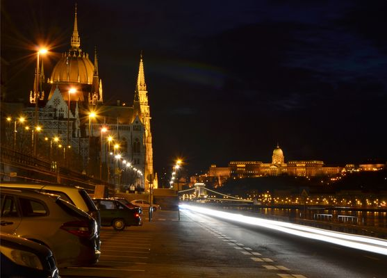 BUDAPEST BY NIGHT 2