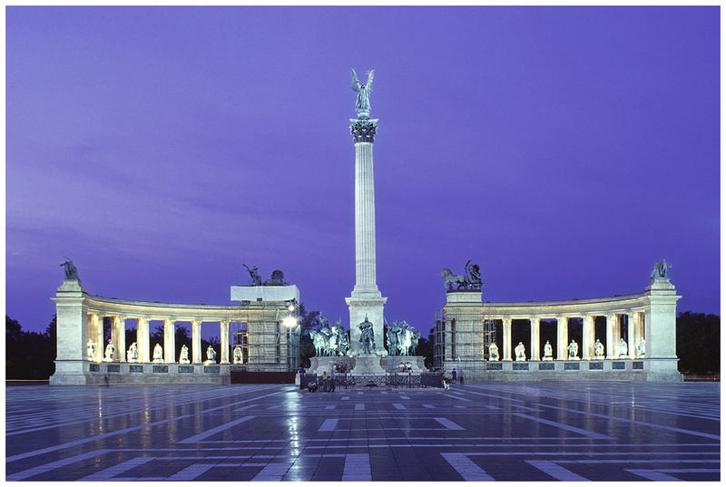 Budapest - Heldenplatz zur blauen Stunde
