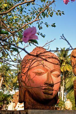 Buddha aus Ton