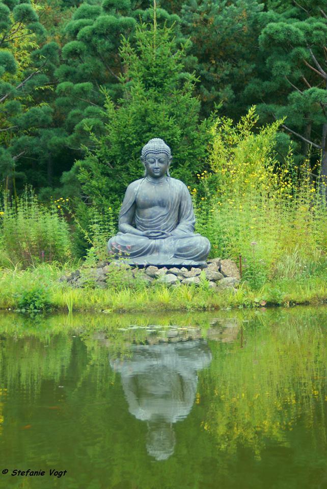 Buddha im Nepal-Himalaya-Pavillon