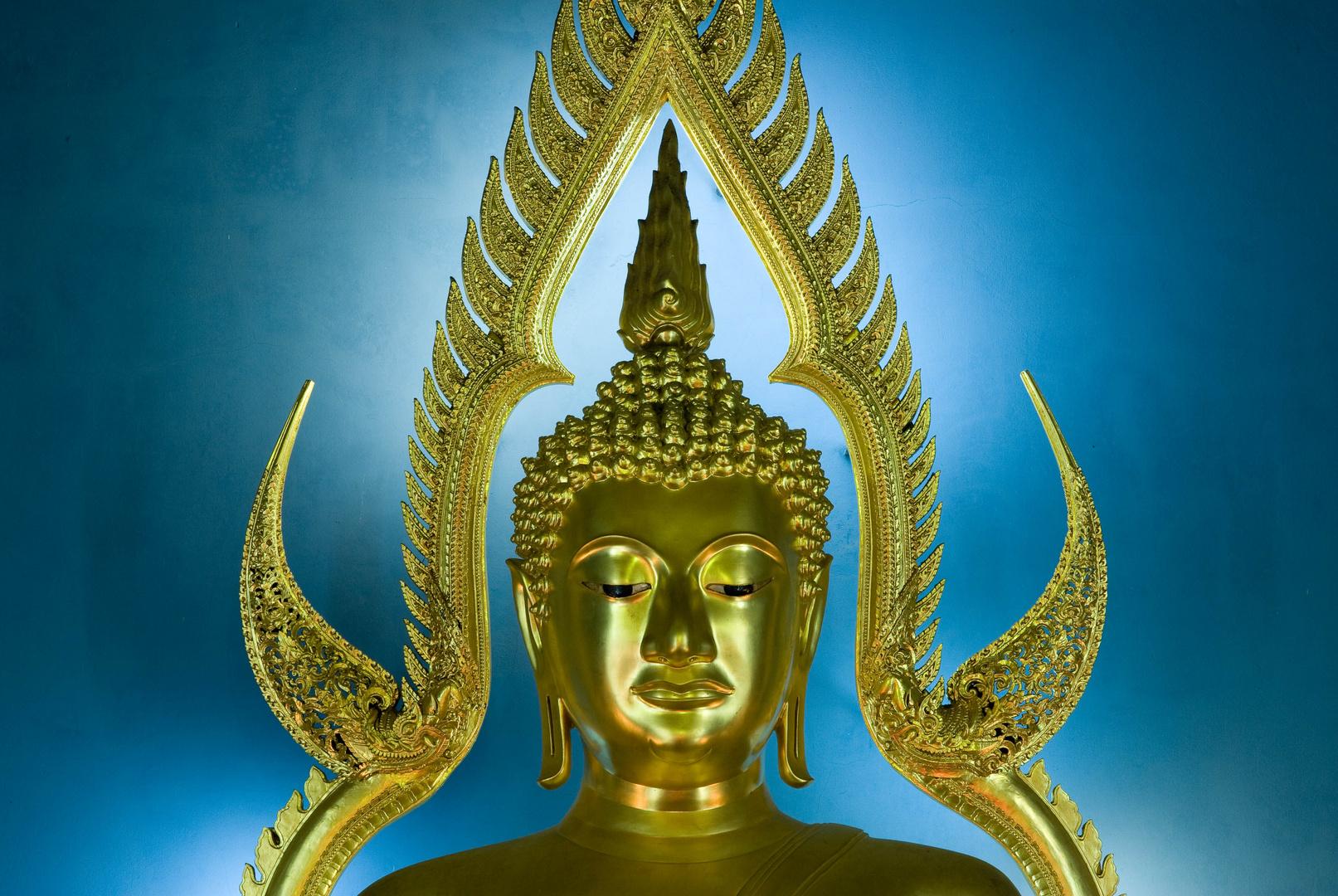 Buddha im Wat Benchamabophit in Bangkok