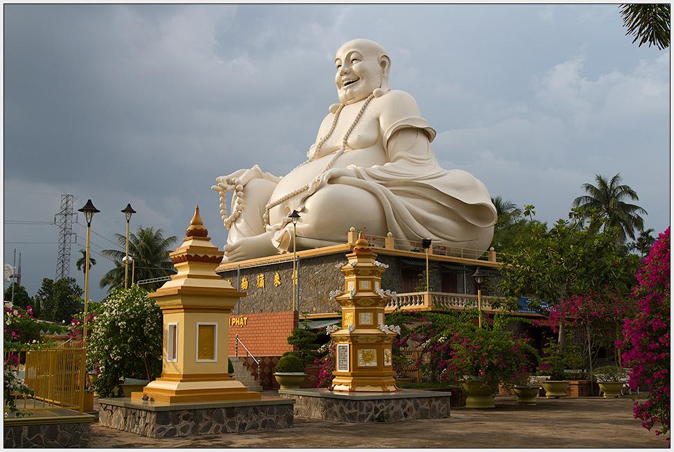 Buddha in My Tho