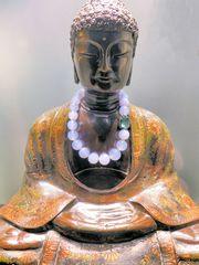 Buddha mit Kette