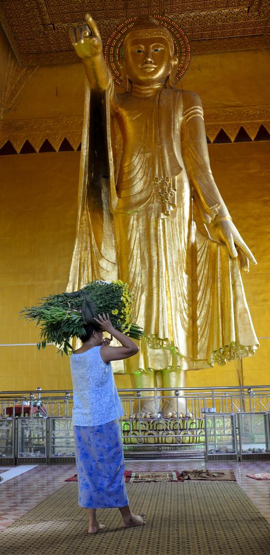 Buddha Statue Mandalay Hill