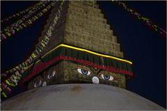 Buddhas Augen sehen auch nachts gut