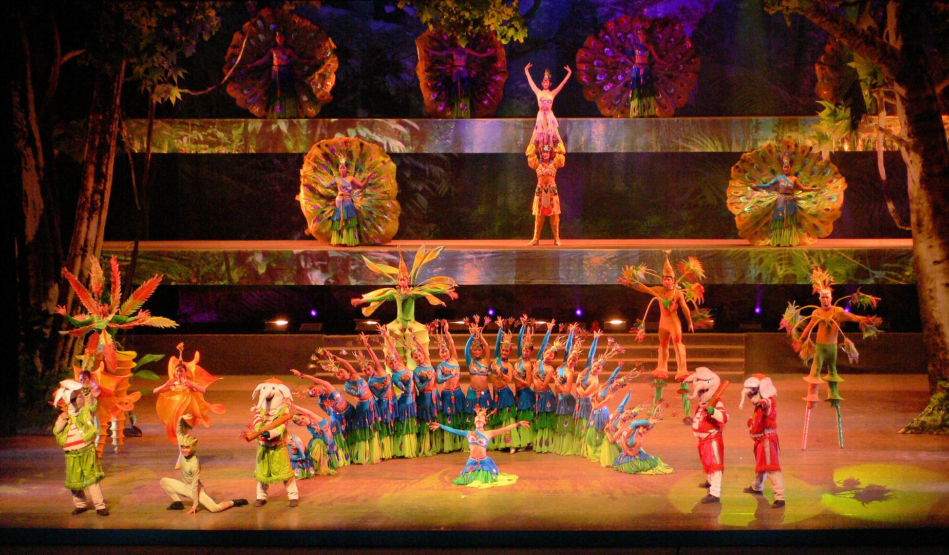 Bühnenshow in Jinghong 1
