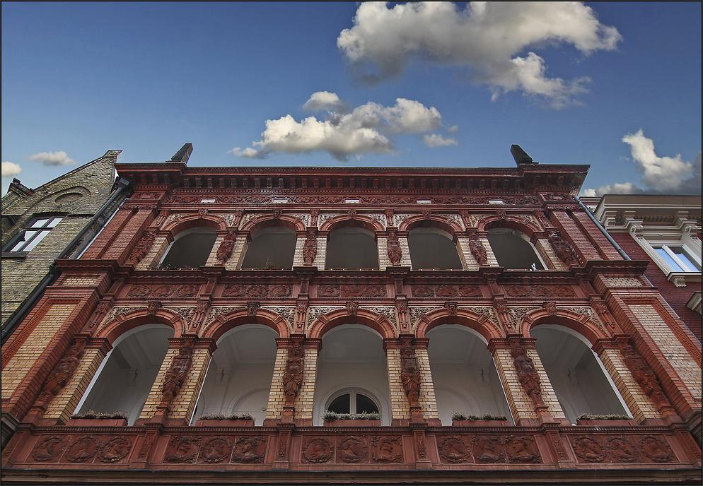 * Bürgerhaus *