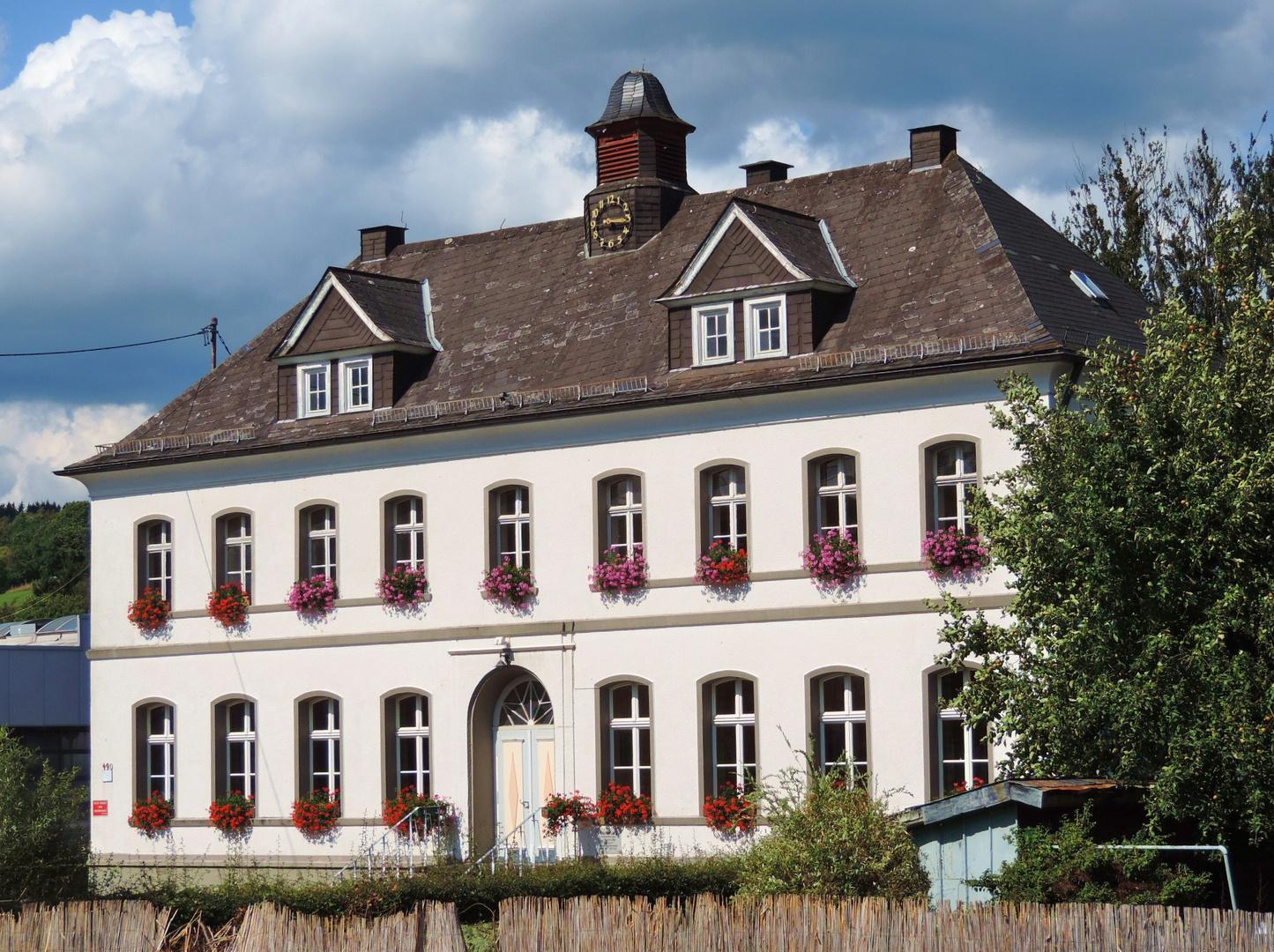 B rgerhaus in siegen seelbach foto bild architektur l ndliche architektur stadt siegen - Architektur siegen ...