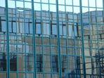 Bürogebäude blau