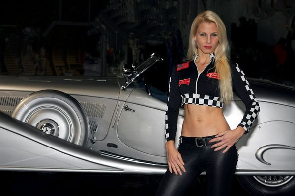 Bugatti Girl