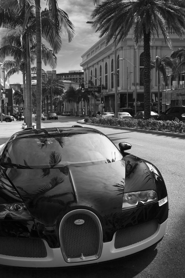 Bugatti in Rodeo Drive