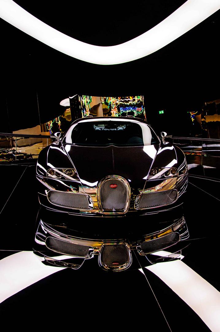Bugatti Veyron 16.4 im verspiegelten Design