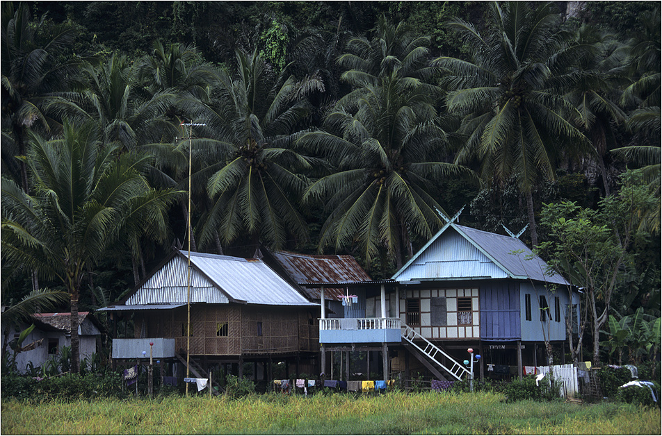 bugis - häuser in makassar