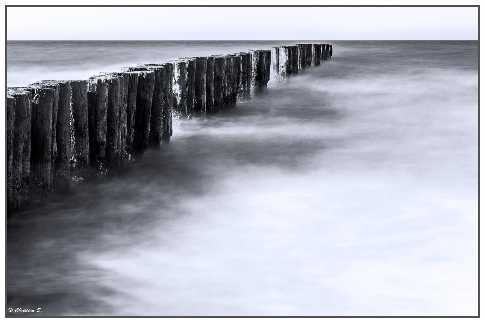 Buhnen am Strand von Graal Müritz