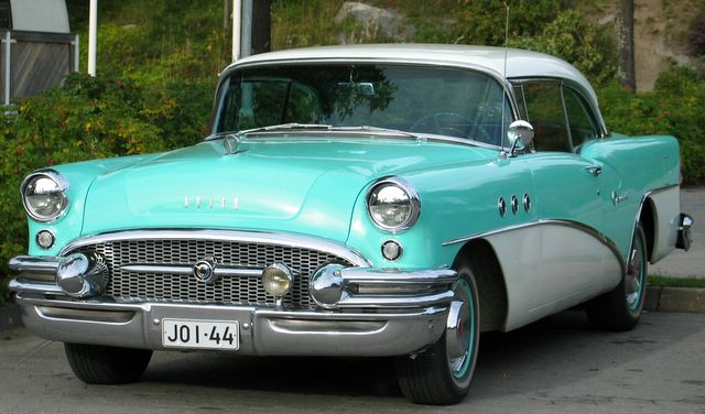 Buick auto
