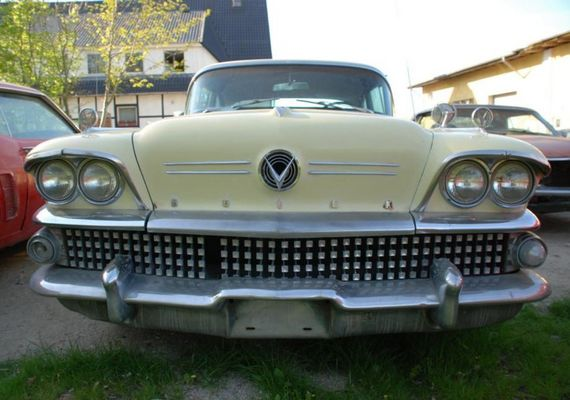 Buick Special Front