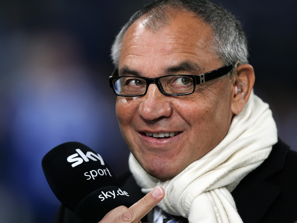 [BuLi] Schalke 04 - Trainer Felix Magath zeigt....