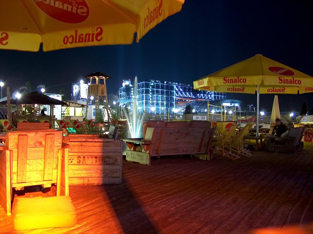 Bundes-Presse-Strand mit Hauptbahnhof