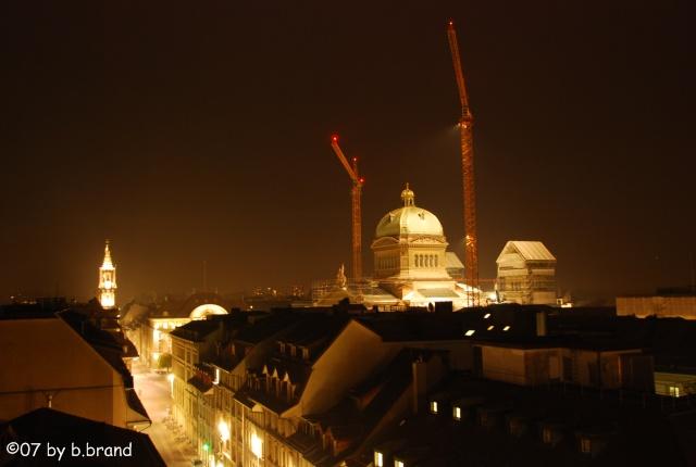 Bundeshaus Bern (CH) Krane by Night