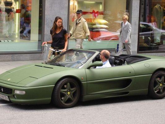 Bundeswehr-Ferrari