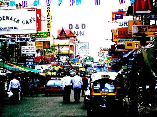 Bunt und grell: Khaosan Road