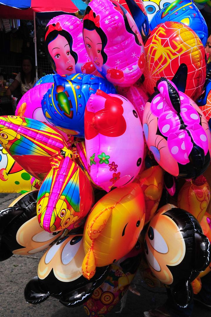 """""""Bunte Ballone """" , Baclaran - Manila 2009"""