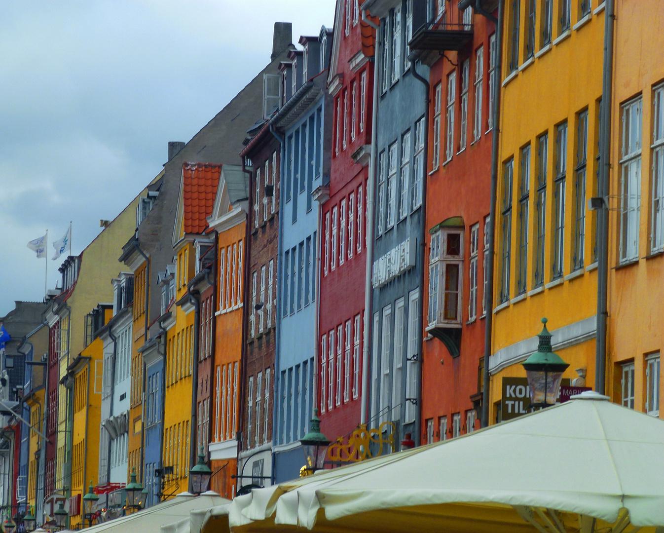 bunte Häuser am alten Hafen von Kopenhagen