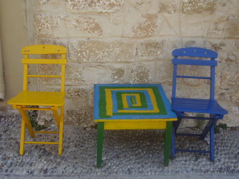Bunte Möbel bunte möbel foto bild stillleben zufällige arrangements motive