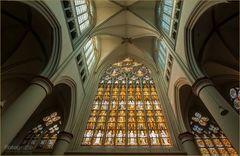 Buntglasfenster Westfassade