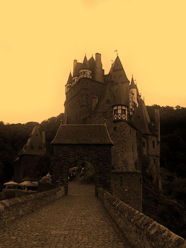...Burg Eltz...