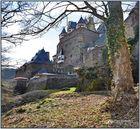 Burg Eltz im Tal des Elzbaches II