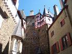 Burg Eltz Innenhof