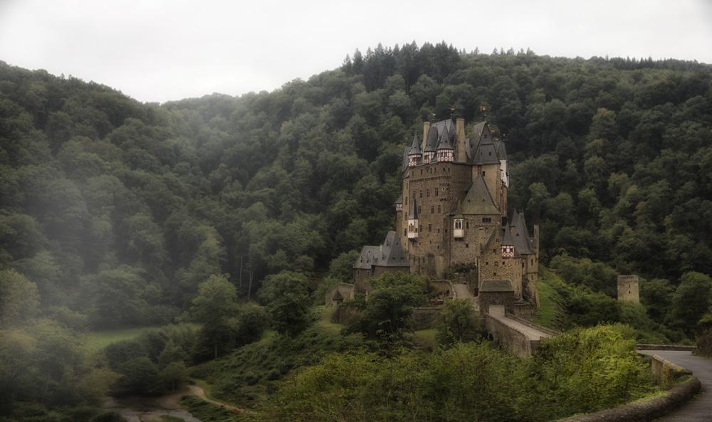 Burg Eltz...hat noch zu...