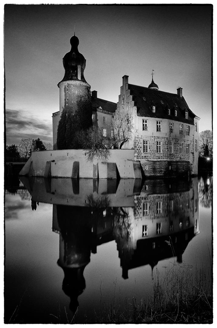 Burg Gemen zur blauen Stunde 4
