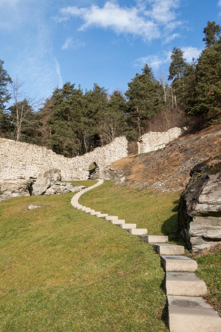 Burg Hochjuvalt
