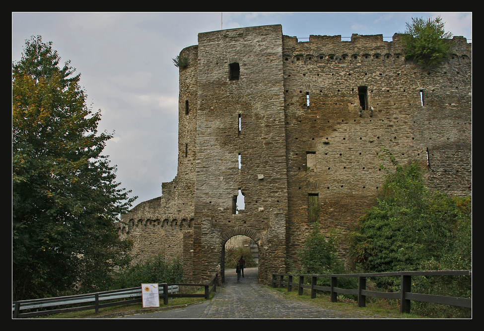 Burg Hohenstein2