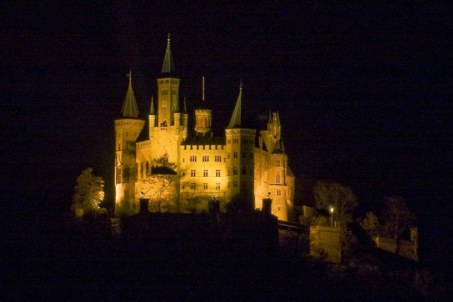 Burg Hohenzollern bei Nacht
