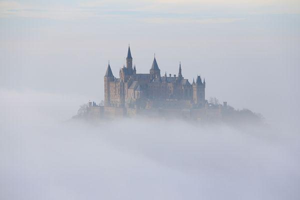 Burg Hohenzollern im Nebelmeer