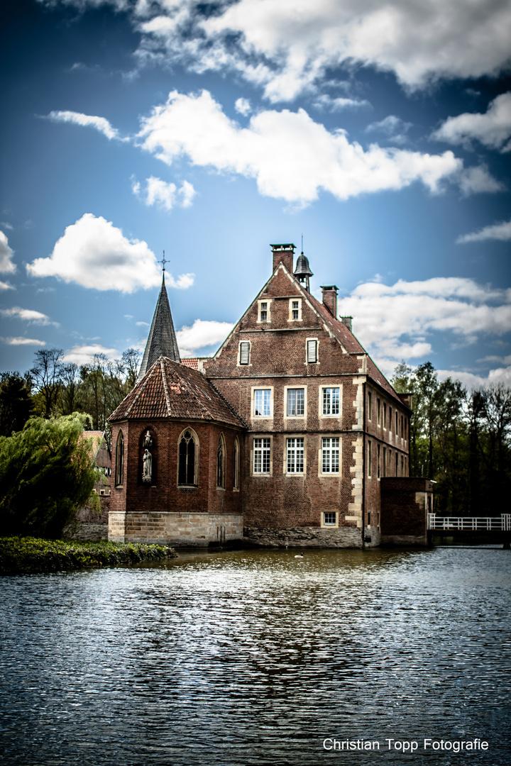 Burg Hülshoff im Frühjahr