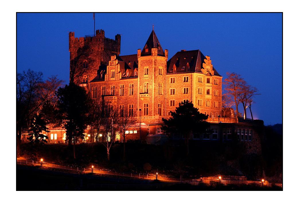 Burg Klopp in Bingen zur blauen Stunde