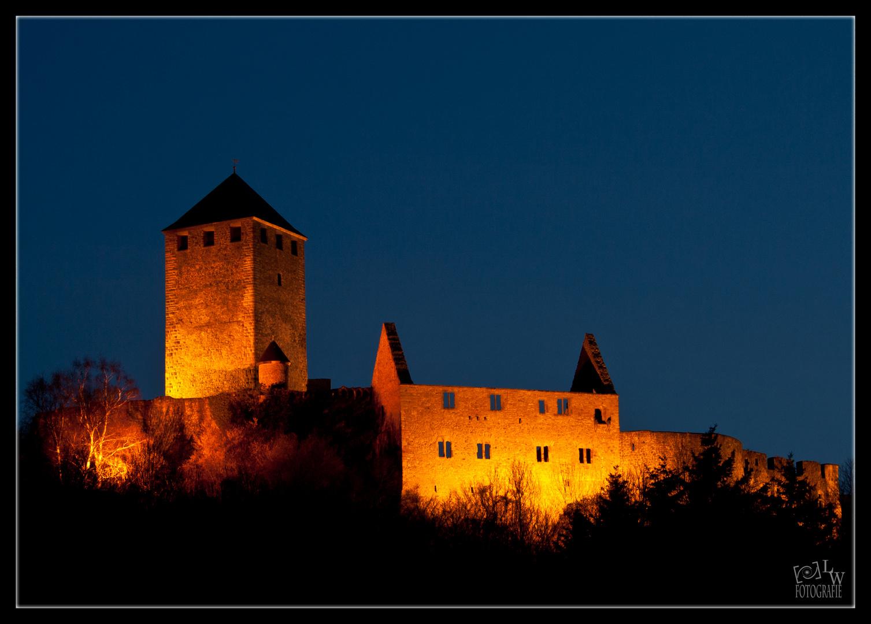 Burg Lichtenberg bei Nacht (2. Versuch)