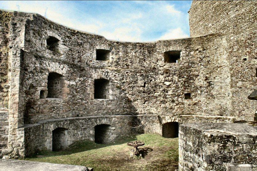 Burg Lichtenberg II